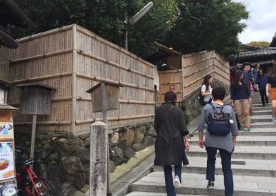 清水寺の二年坂(竹垣制作)